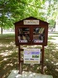 免费图书馆立场在里斯本,葡萄牙 免版税库存照片