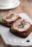 兔子和蘑菇肉卷 库存图片