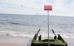 兔子岛纽约把标志关在外面 免版税库存照片