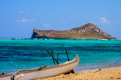 兔子海岛看法从Waimanalo海滩的 库存图片