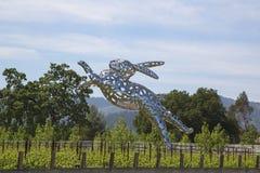 兔宝宝在霍尔酿酒厂的Foo Foo雕塑在纳帕谷 免版税库存照片