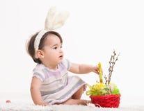 兔宝宝女孩一点 库存图片