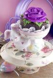 兔宝宝杯形蛋糕复活节藏品 库存图片