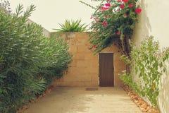 入口到庭院里 库存图片
