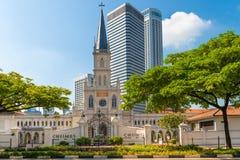 入口和老Chijmes教会塔楼在新古典主义的样式 库存照片
