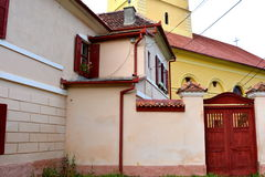 入口在被加强的中世纪教会Cristian,特兰西瓦尼亚里 库存图片