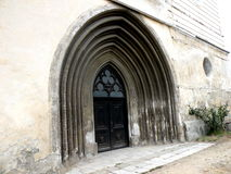 入口在Bartolomeu加强了教会,撒克逊人,罗马尼亚, Transilvania 免版税图库摄影