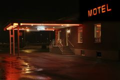 入口汽车旅馆晚上 库存图片