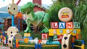 入口的雷克斯对玩具总动员土地在香港迪斯尼乐园 免版税库存照片