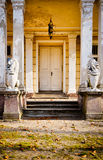 入口hdr宫殿照片被破坏 免版税库存照片