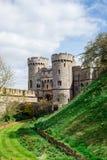 入在两个塔之间的门到内在围场温莎城堡 图库摄影
