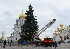 全俄国圣诞树的主要装饰在克里姆林宫的大教堂正方形的 库存图片
