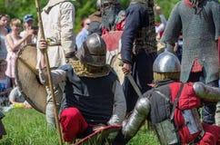 全副武装的中世纪战士 免版税图库摄影