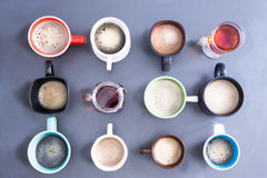 全办公室的泡沫似的咖啡因 免版税库存照片