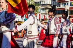 全国主权和儿童`的s罗马尼亚民间舞蹈天庆祝-土耳其 图库摄影