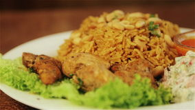 全国亚洲和阿拉伯烹调 米和肉盘 Pilau,米,意大利煨饭 股票录像