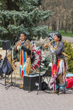 全国服装的街道音乐家 库存照片