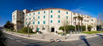 全景Šibenik博物馆的镇  免版税库存照片