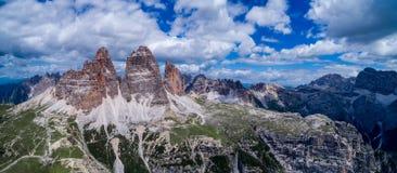 全景全国自然公园Tre Cime在白云岩阿尔卑斯 是 免版税图库摄影