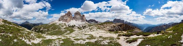 全景全国自然公园Tre Cime在白云岩阿尔卑斯 是 免版税库存照片
