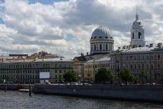 全景内娃河, Tuchkov桥梁,凯瑟琳教会,圣彼得堡,俄罗斯 库存图片