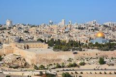 全景向耶路撒冷老市和圣殿山, 库存照片