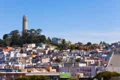 全景和Coit塔有旧金山视图 免版税库存照片