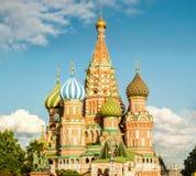 全景圣徒蓬蒿的大教堂在红场,莫斯科 免版税库存照片
