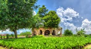 全景在村庄头里面的多数原始的老房子 免版税图库摄影