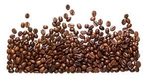 全景在白色背景隔绝的豆咖啡 库存照片