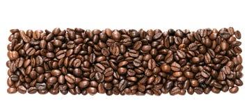 全景在白色背景隔绝的豆咖啡 免版税图库摄影