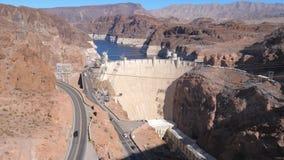 全景在黑峡谷的岩石的中大具体胡佛水坝 股票视频