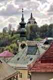全景在Banska Stiavnica老采矿城市 免版税库存图片