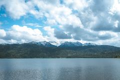 全景山和湖 库存图片