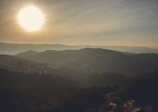 全景山风景在城市巴塞罗那 免版税库存照片