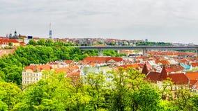 全景布拉格视图 cesky捷克krumlov中世纪老共和国城镇视图 免版税库存图片