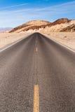 全景开放路死亡谷国家公园高速公路 免版税库存照片