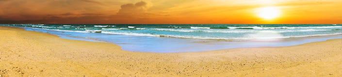 全景海滩日落 库存图片