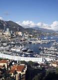 全景港口视图蒙地卡罗摩纳哥欧洲乘快艇风船 免版税图库摄影