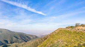 全景点,世界风景小路的外缘,在Crestline附近,加州 免版税库存照片