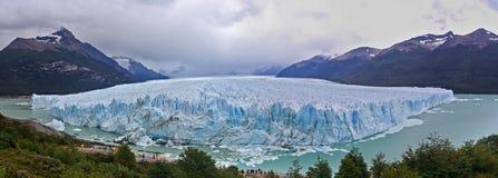 全景照片佩里托莫雷诺冰川 阿根廷,Los Glaciares国立公园 免版税图库摄影