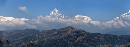 全景的安纳布尔纳峰 免版税库存图片