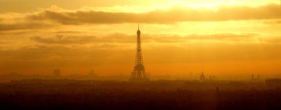 全景竞争,在巴黎(法国)的日出 免版税库存照片