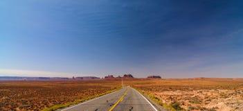全景风景纪念碑谷的风景 免版税图库摄影