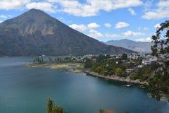 全景风景阿蒂特兰湖危地马拉 免版税库存照片