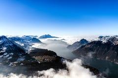 全景鸟瞰图向从高山的Luzern湖 免版税库存照片
