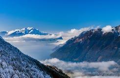 全景鸟瞰图向从高山的Luzern湖 免版税库存图片