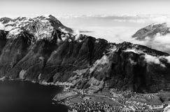 全景鸟瞰图向从高山的Luzern湖 免版税图库摄影