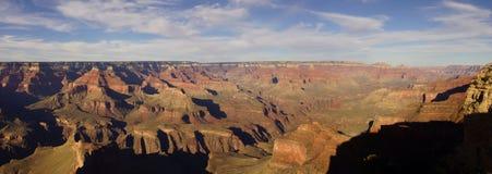 全景,黄昏视图到科罗拉多河峡谷里 库存图片