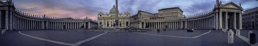 全景-圣皮特圣徒・彼得大教堂梵蒂冈 免版税库存图片